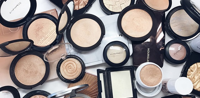 Highlighters for oily skin